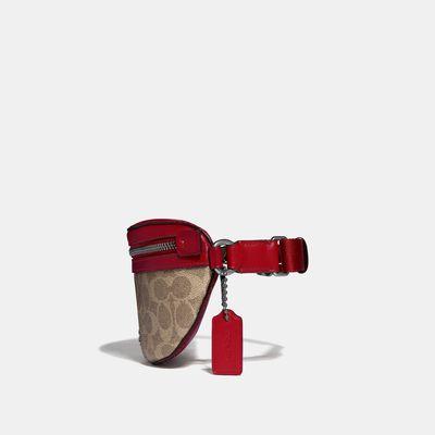 Bolsa-Cruzada-tipo-cangurera-en-Coated-Canvas---Coach