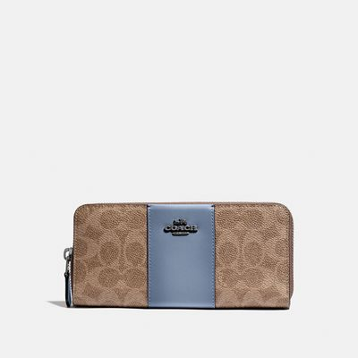 Cartera-grande-Slim-Accordion-en-Coated-Canvas-Coach