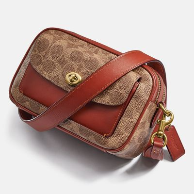 Bolsa-Cruzada-Cassie-Camera-Bag-Signature-Coach